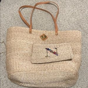 Woven beach bag with wallet
